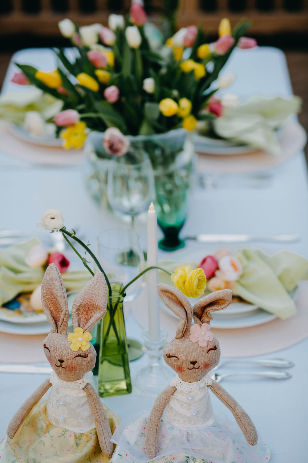 Beautiful Easter table decorations centerpieces