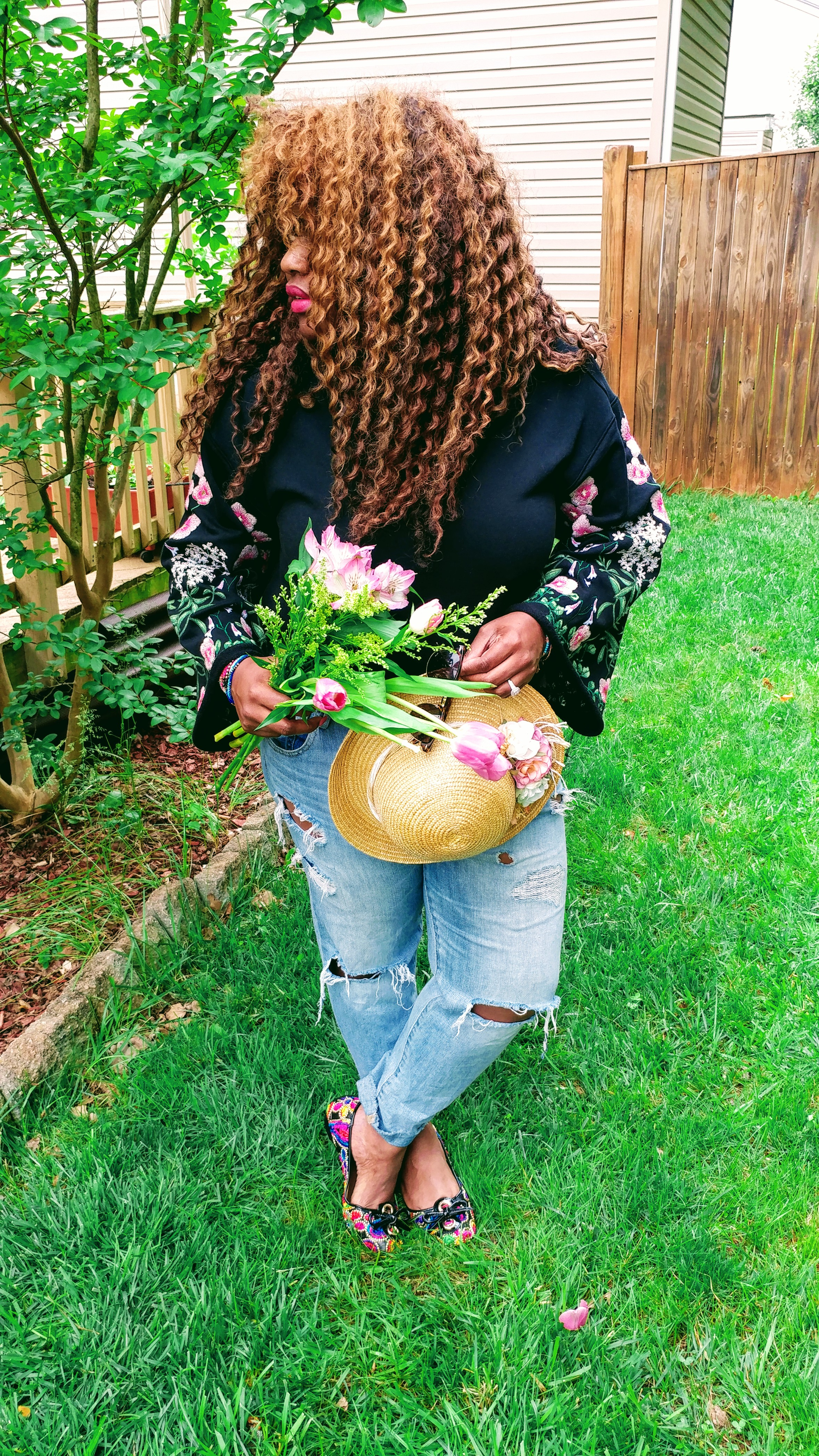 {Always Creating Blog // Embroidered Sweatshirt x Ripped Jeans}